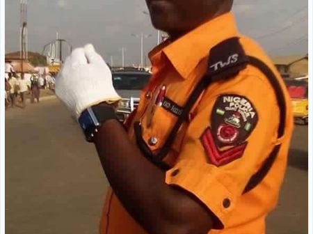 Ebonyi People Praised Police Officer who Serves as a Traffic Warden in the State
