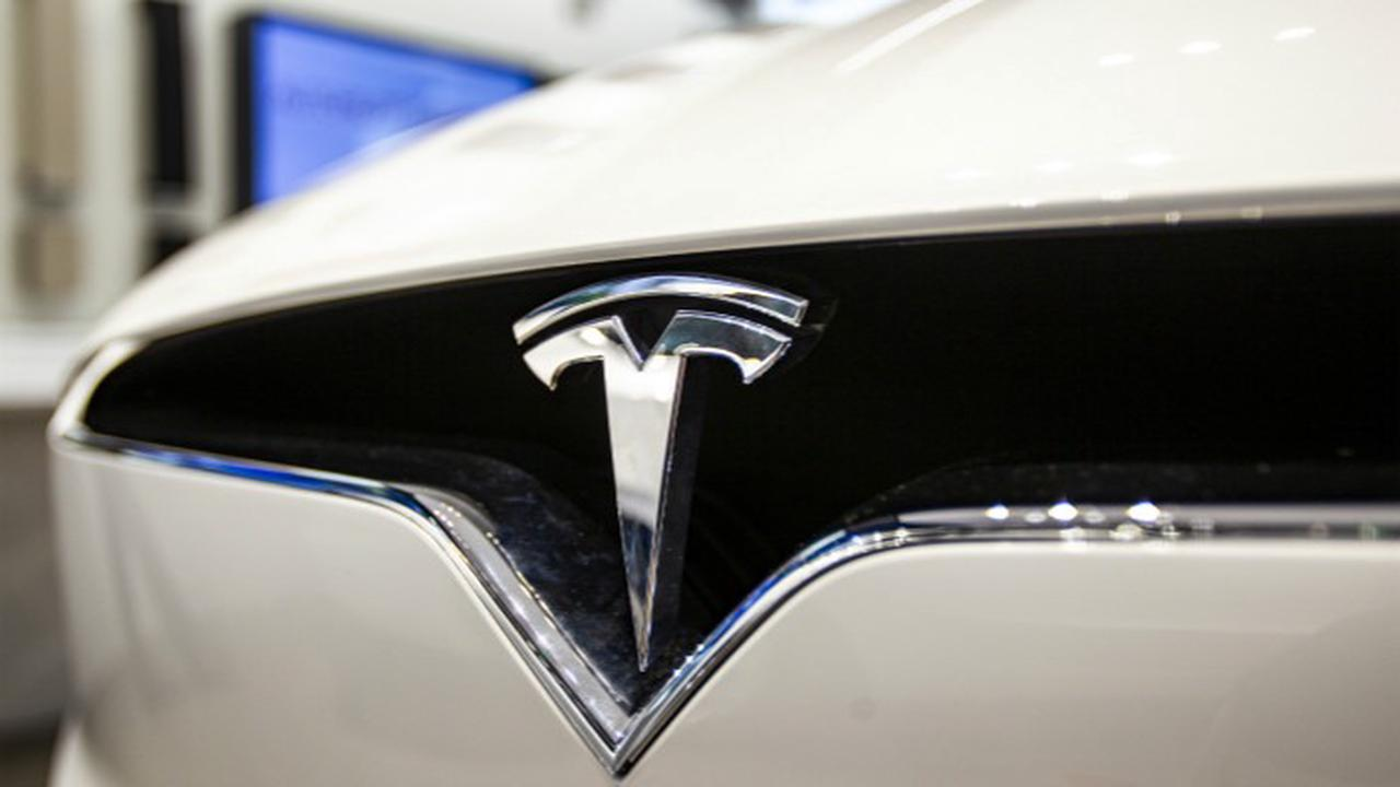 Tesla to Sue Chinese Media Outlet Over Report on Shanghai Gigafactory