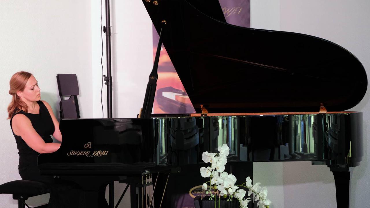 Konzertpianistin spielt für einen guten Zweck