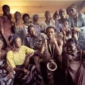 Fela Kuti : l'artiste qui a épousé 26 femmes le même jour