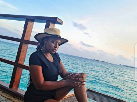 Photos that show Award-winning actress, Mo'Bimpe loves to relax near ocean.