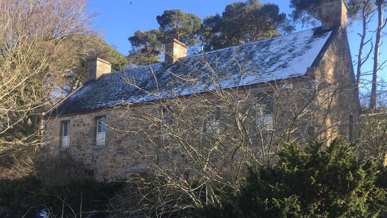 Scotland's leading historian condemns sale of historic former Covenanters museum in Biggar