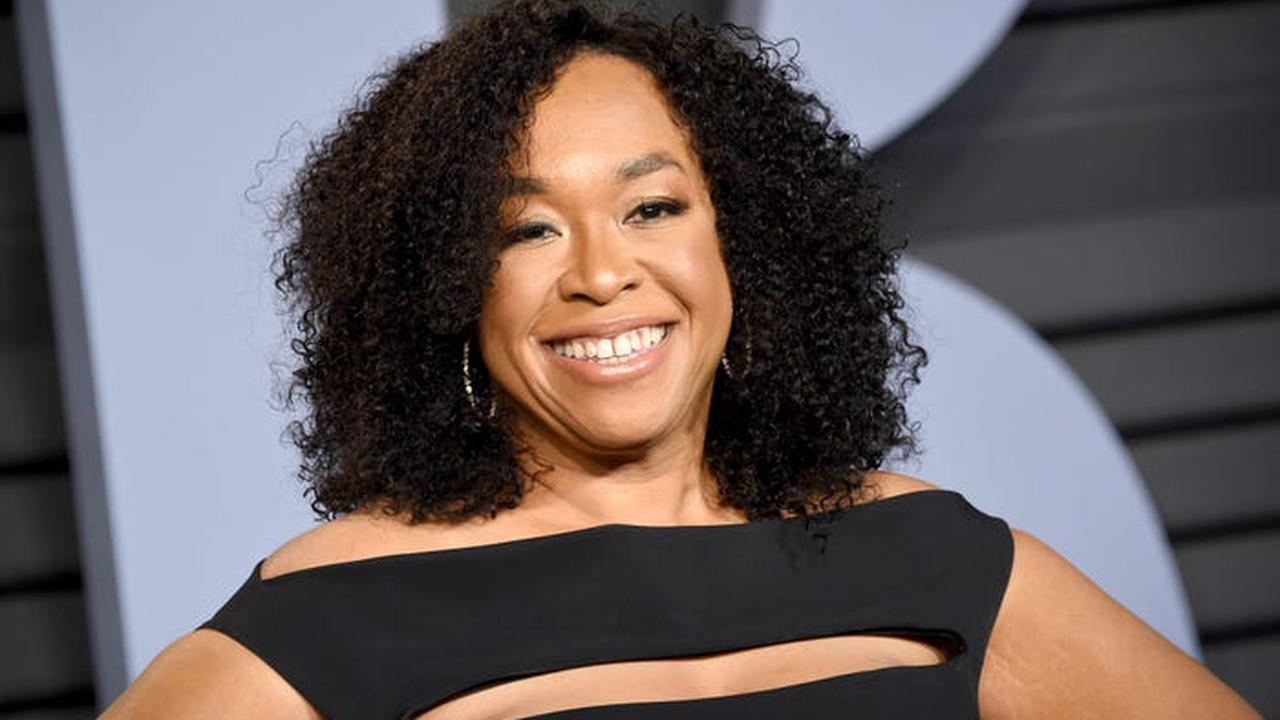 Shonda Rhimes is worth at least $135 million, thanks to her #TGIT lineup and a history-making Netflix deal — see how she makes and spends her fortune
