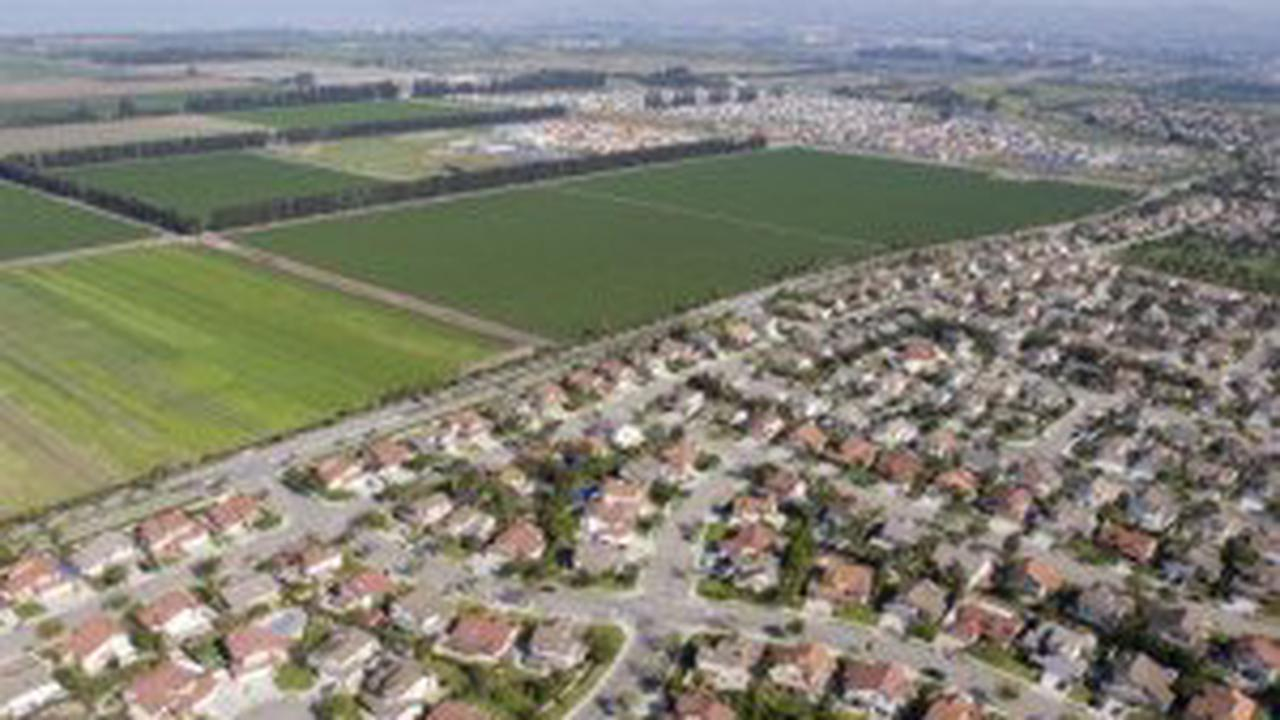 Typical new home buyer paying $3,472 to replace farmland