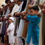 حكم ترديد وقراءة سورة الفاتحة خلف الإمام في الصلاة الجهرية؟ دار الإفتاء تجيب