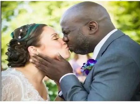 Be Careful, See List Of Diseases That Kissing Can Cause