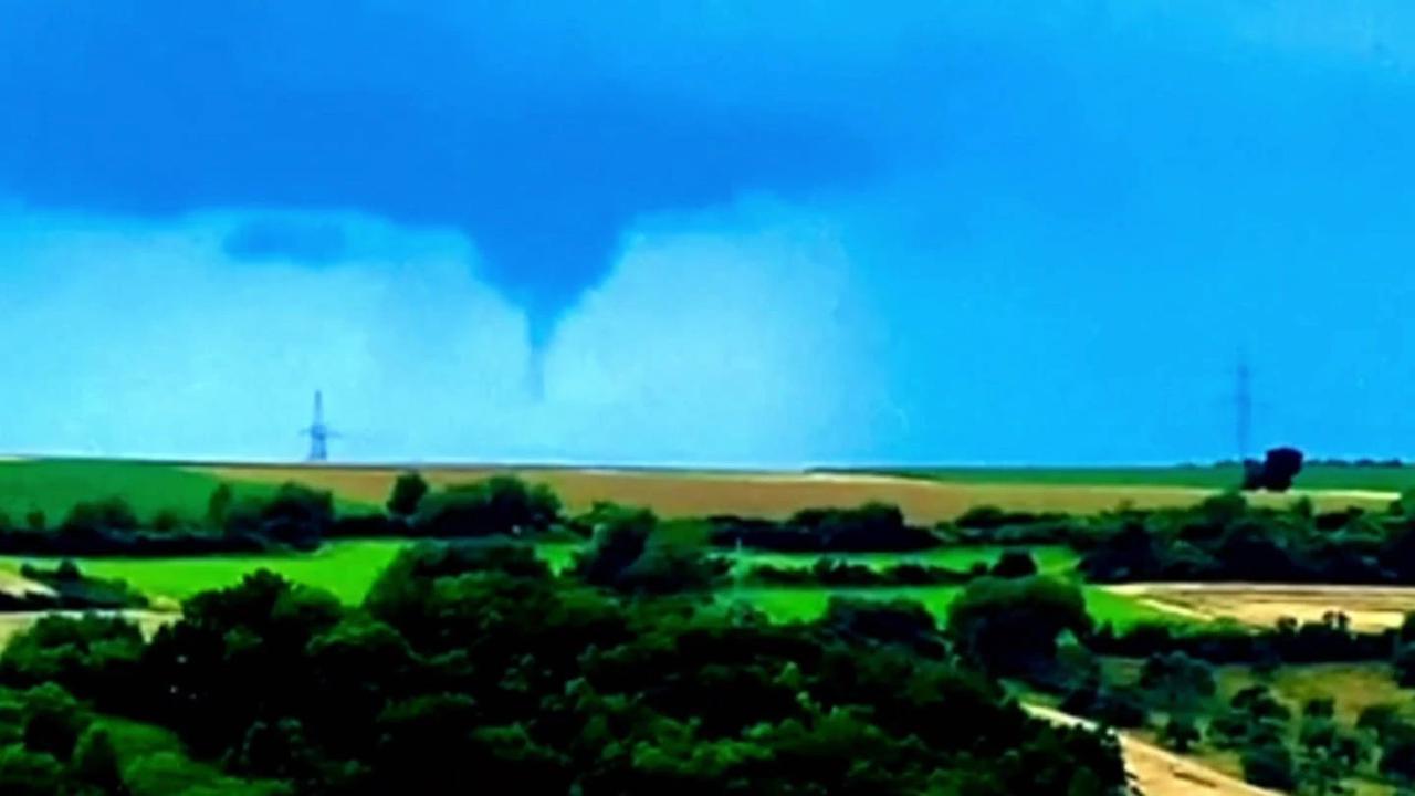 """Spektakulärer """"Fast-Tornado"""" bei Bad Mergentheim"""