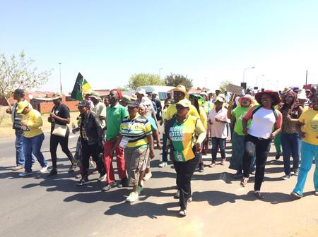 Cyril Ramaphosa's parents leaving in fear because of Soweto residents here is why