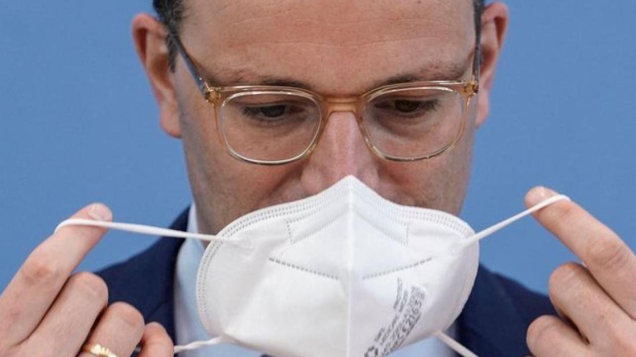"""""""Dreist und ohne Anstand"""": Nutzlose Masken für Bedürftige? Empörung über Spahns Pläne"""