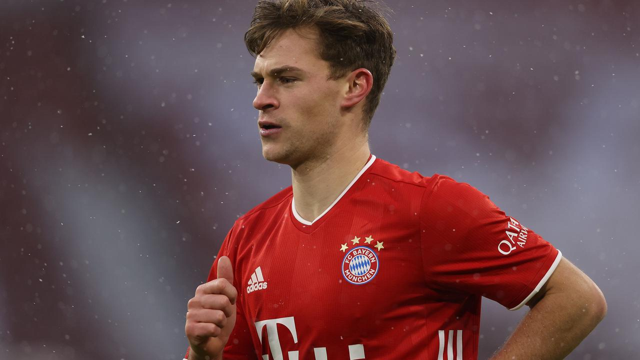 Daily Schmankerl: Joshua Kimmich says RB Leipzig is top competitor; Willie Sagnol defends Bayern Munich's Benjamin Pavard; Joshua Zirkzee still negotiating with Everton and Parma; Schalke 04's pitch taking internal heat; and MORE!