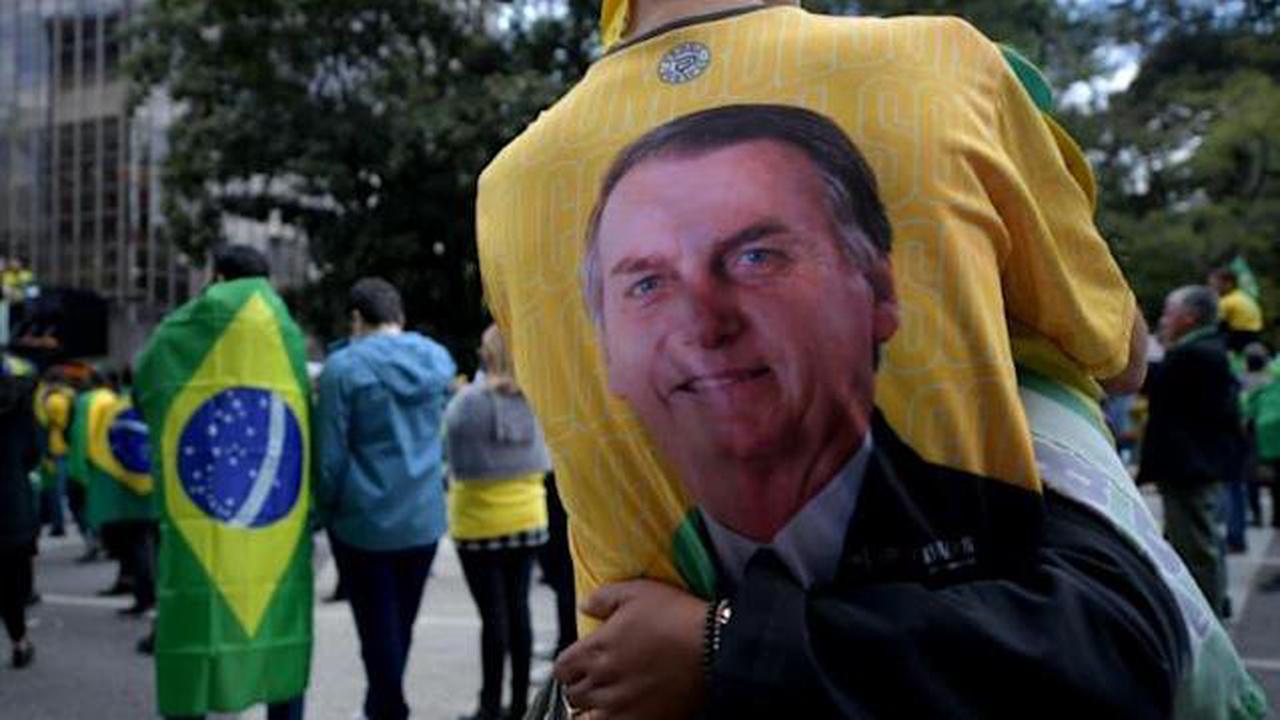 Brésil: manifestations pro-Bolsonaro contre le système électoral