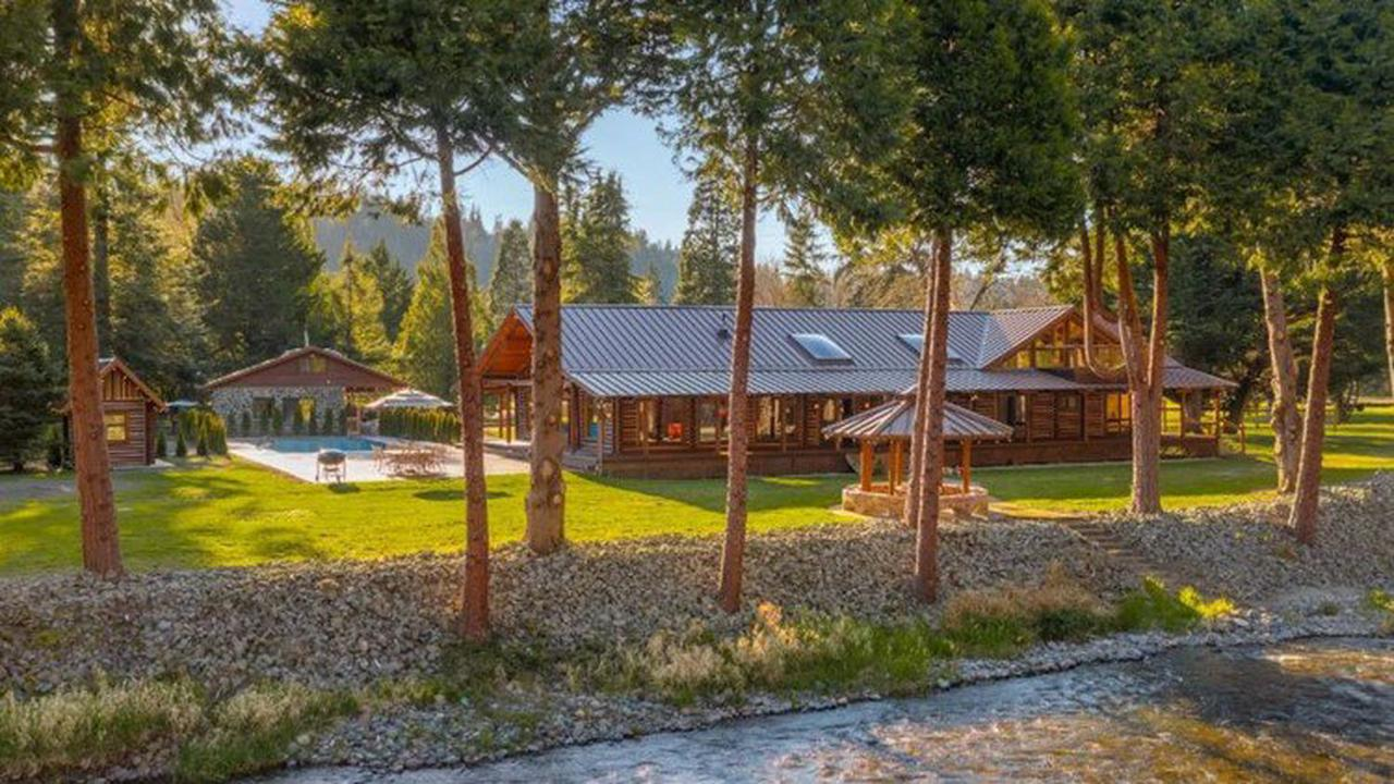 Every day feels like you're on vacation at this Maple Valley log cabin - Unreal Estate