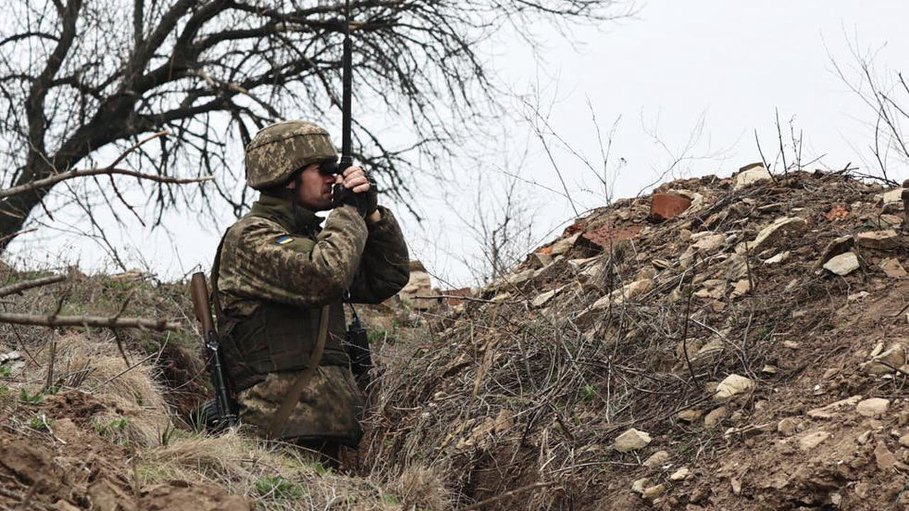 Putin could spark war by invading Ukraine, says former US ambassador