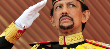 See The Sultan Of Brunei That Has 500 Rolls Royce In His Garage.