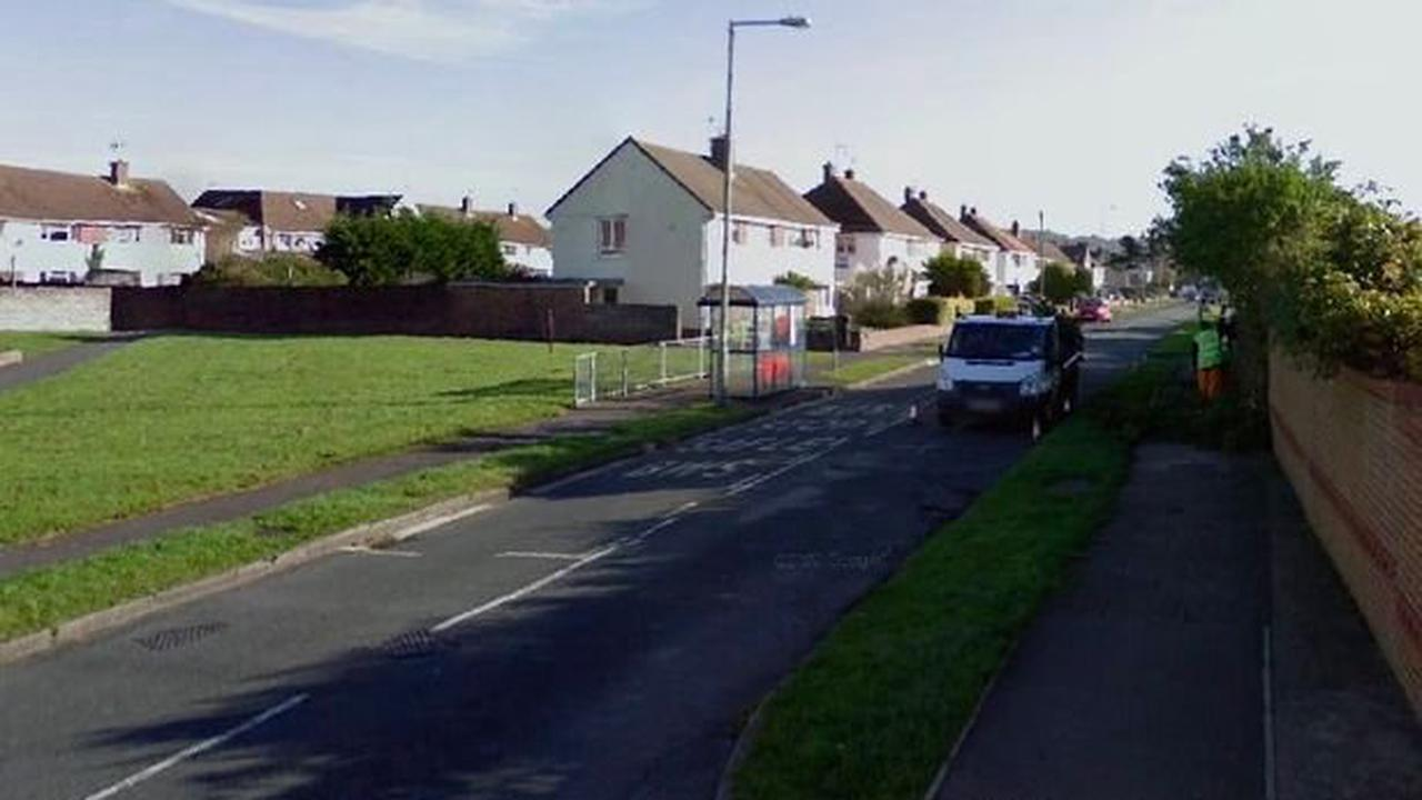 Man robbed at knifepoint by assailant wearing surgical face mask