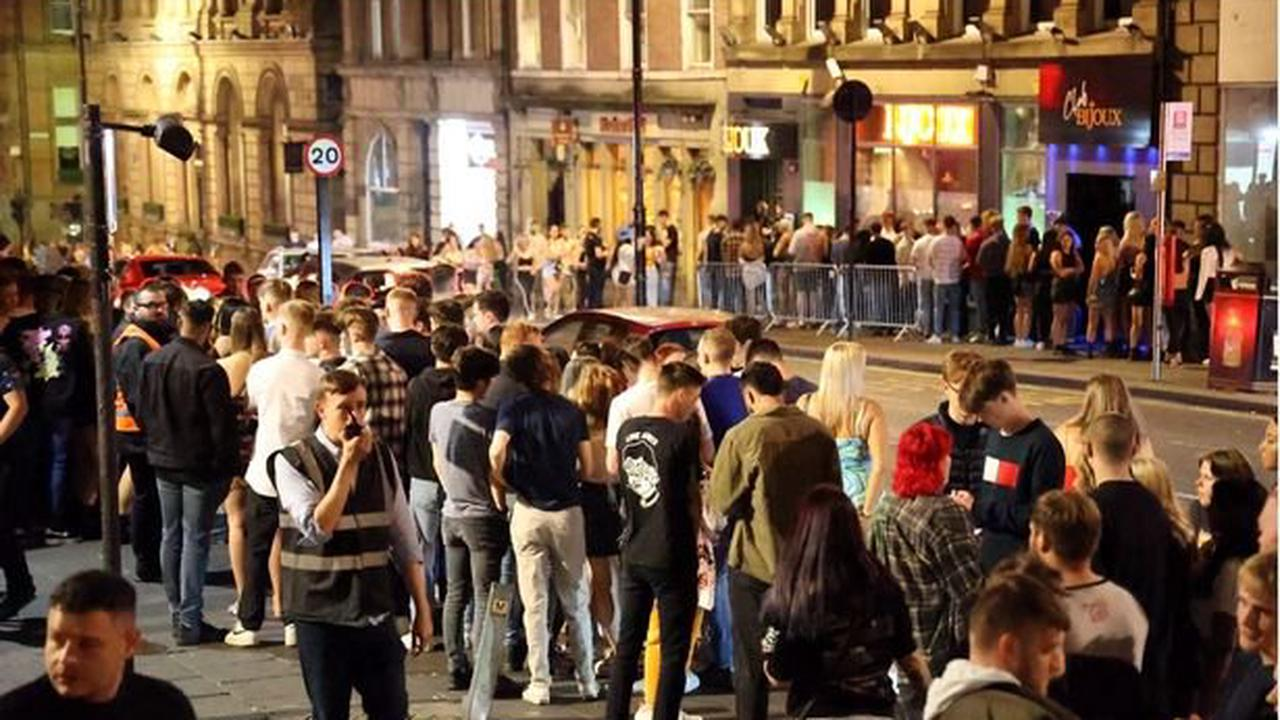 Hundreds of students party in Newcastle city centre for Freshers' Week with huge queues outside bars