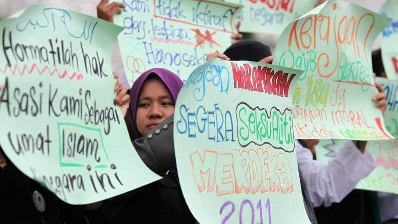 Cruel Malaysian ministers push for Sharia law to be tougher on LGBT+ Muslims