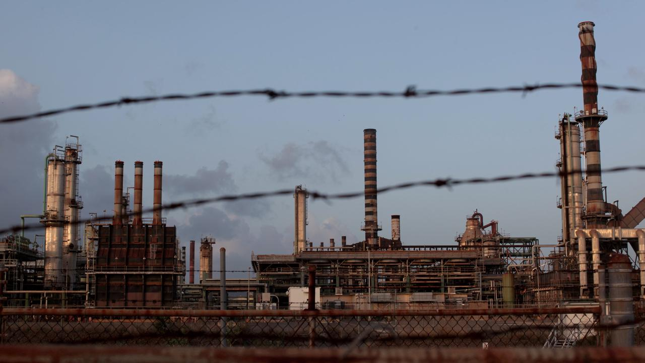 United StatesLimetree says no sulfur dioxide near plant, National Guard finds high levels