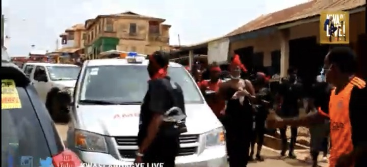 3a82a453be7b433f9a3d7d64a58ba184?quality=uhq&resize=720 - Sad Moment: The Last Moment Ama Broni's Body Was Conveyed To The Akwatia Cemetary For Burial