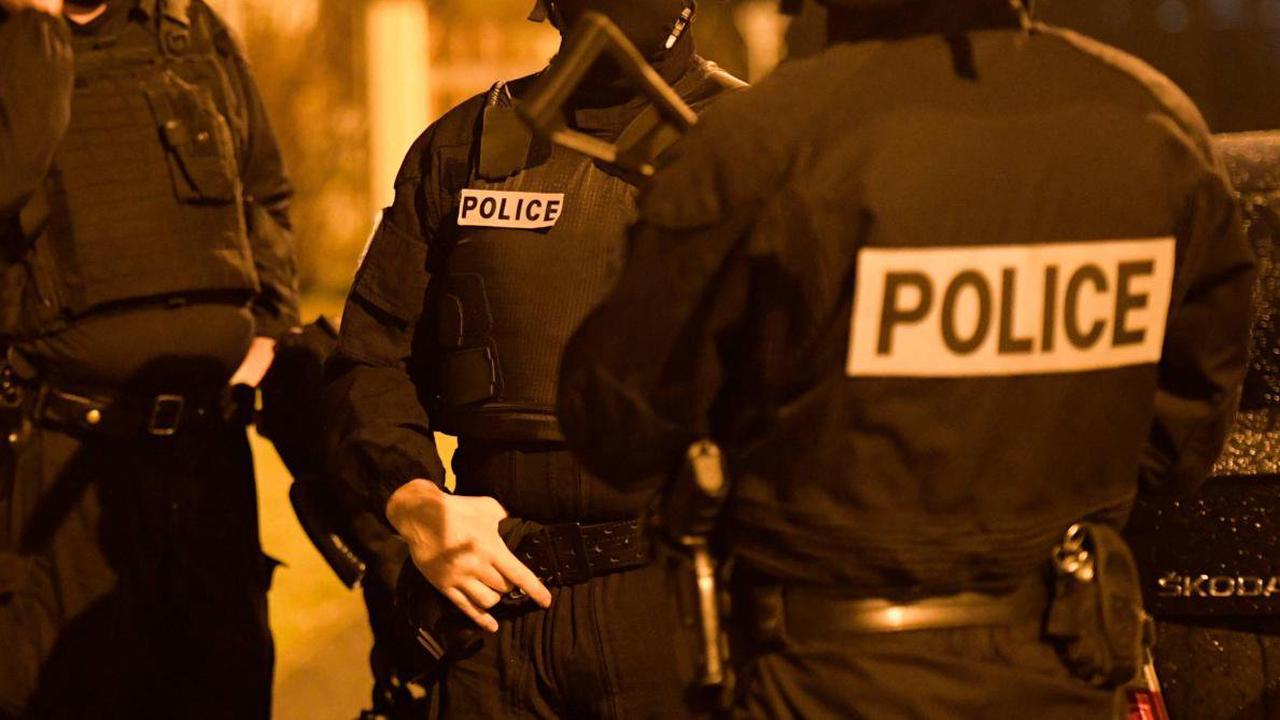 Projet d'attentat d'un groupe néonazi : trois suspects mis en examen et écroués