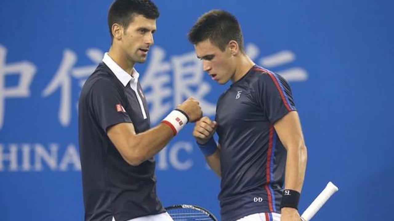 Novak Djokovic's brother set to make Roger Federer offer despite financial worry