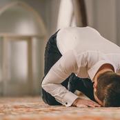 هل المواظبة علي الصلاة والذكر تقي الإنسان من السحر والجن؟ أمين الفتوى يجيب
