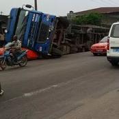 Grave accident sur la route de prison civile entre un taxi-compteur et un gros camion, les images