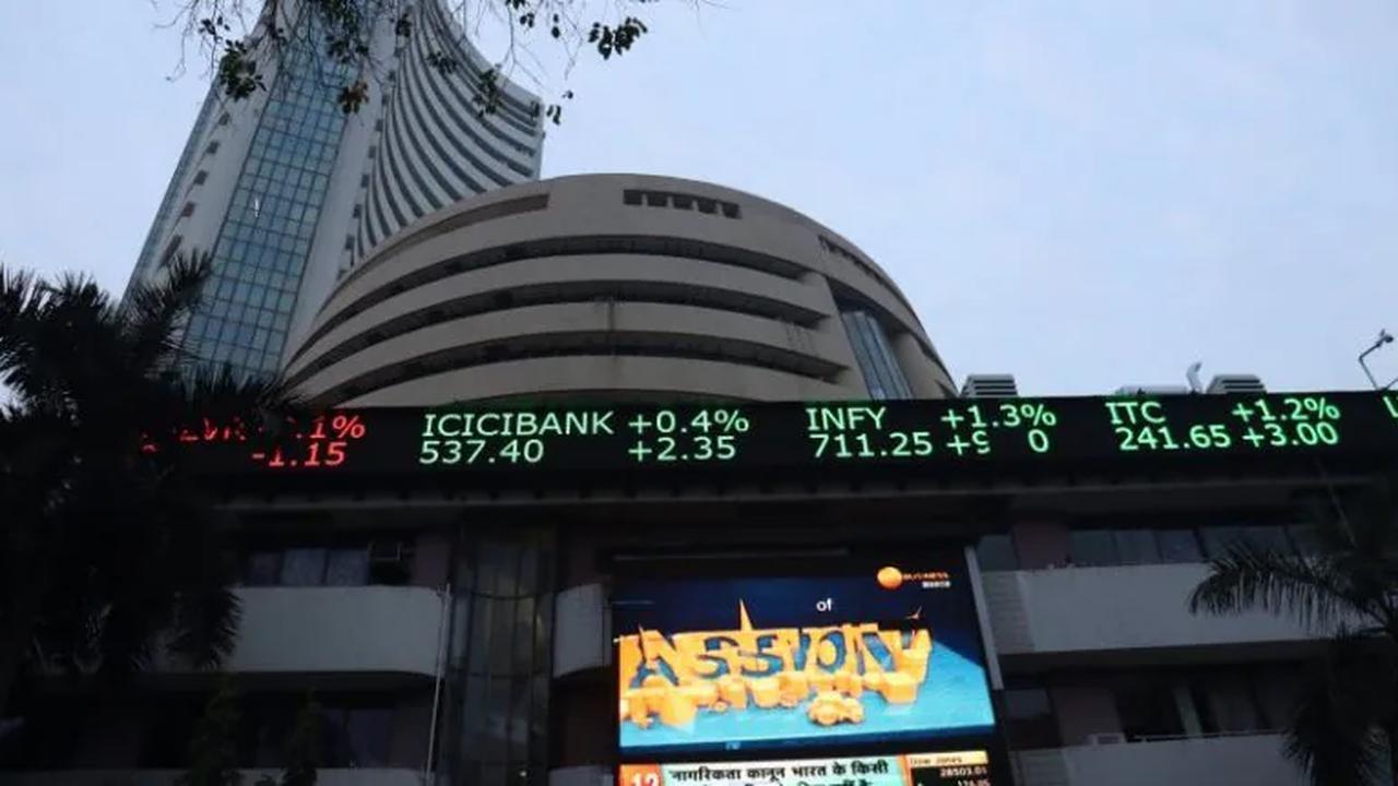 Sensex, Nifty Struggle For Direction