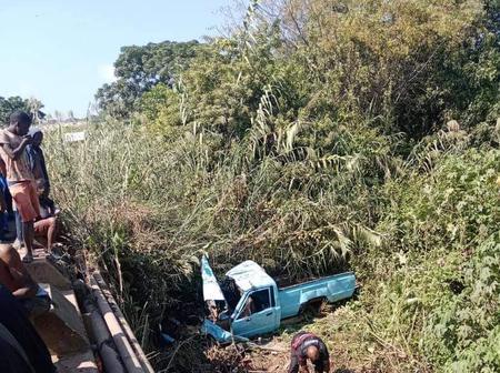 Bakkie Plunges Off Bridge: Hazelmere - KZN
