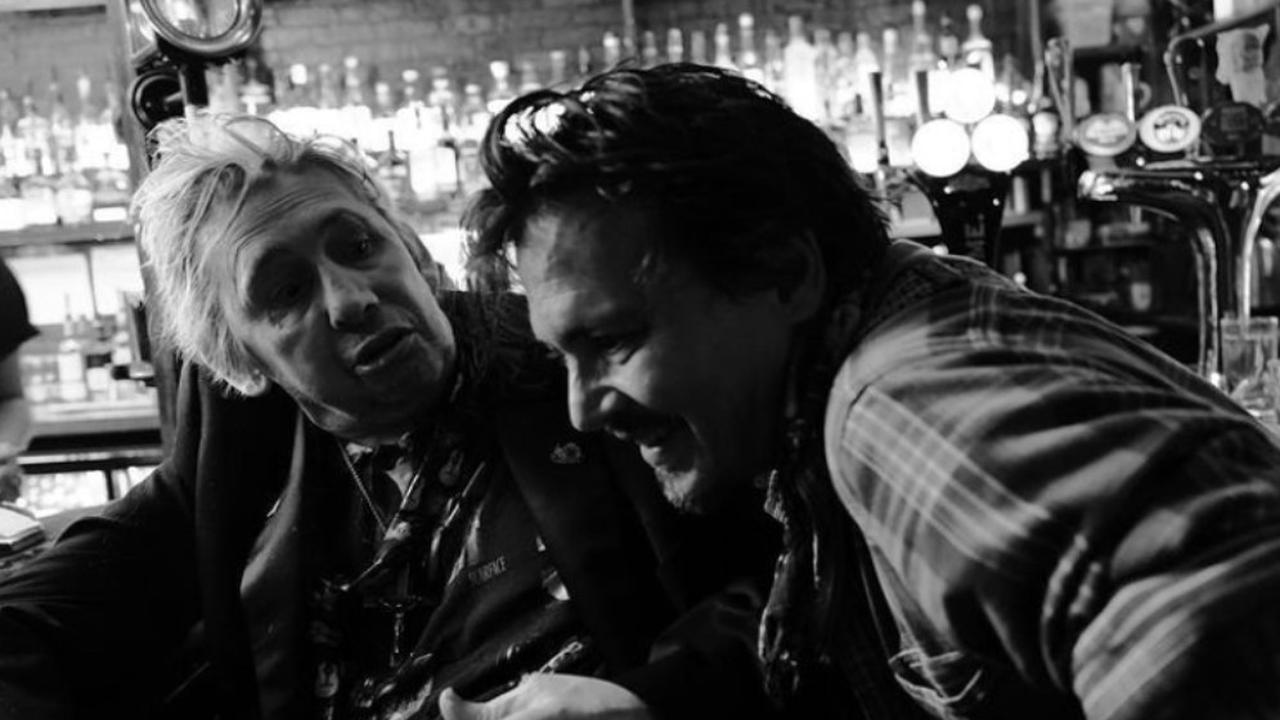 Johnny Depp congratulates fans on the holidays