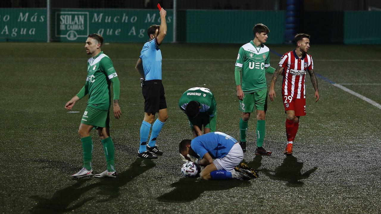 Spanish football evening headlines: Atletico suffer a giant-killing, ex-Real Madrid man returns to Spain and Koeman explains Alena exit