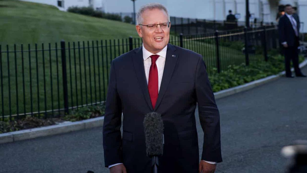 Scott Morrison says Australia 'really good at digging stuff up' while announcing clean energy summit