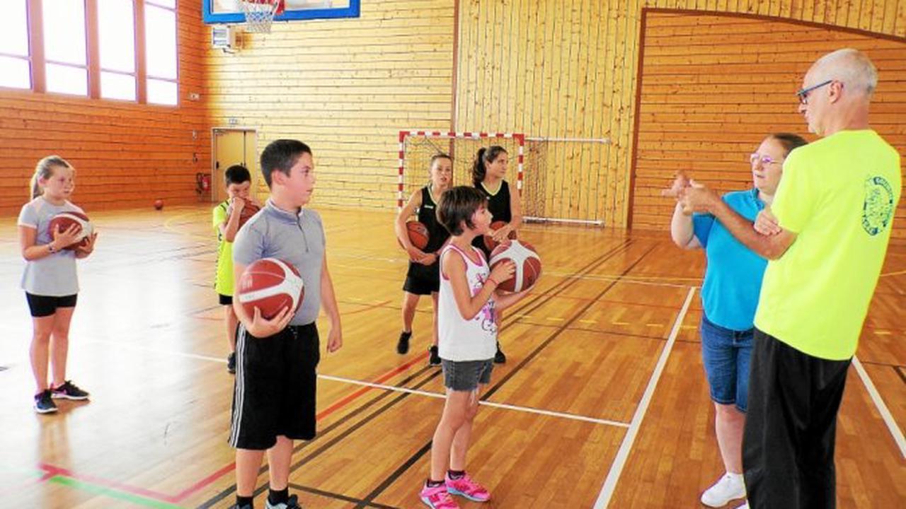 Création d'une section baby basket le mercredi après-midi, à Gourin
