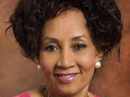 Minister Sisulu heartbroken as someone close to her dies