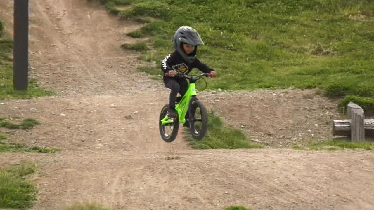 'Born to ride': 2-year-old B.C. boy is a cycling prodigy