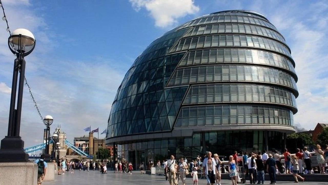 London City Hall: Delay in move to new home in East End
