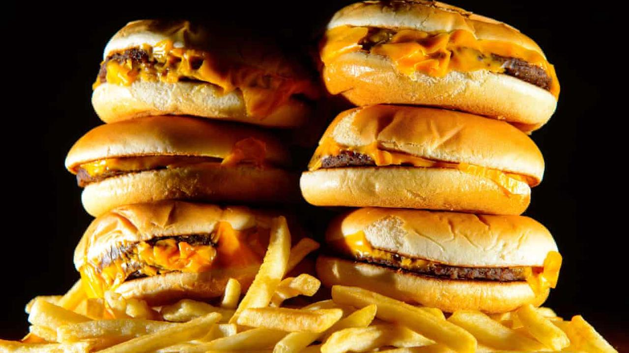UK to ban junk food advertising online and before 9pm on TV from 2023