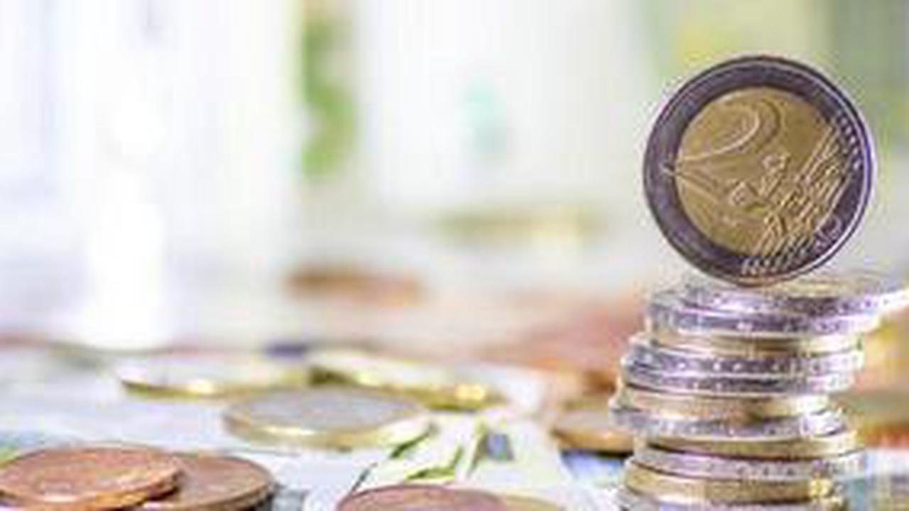 Kunden der Mittelbrandenburgischen Sparkasse MBS in Potsdam nutzen immer häufiger Plastik-Geld