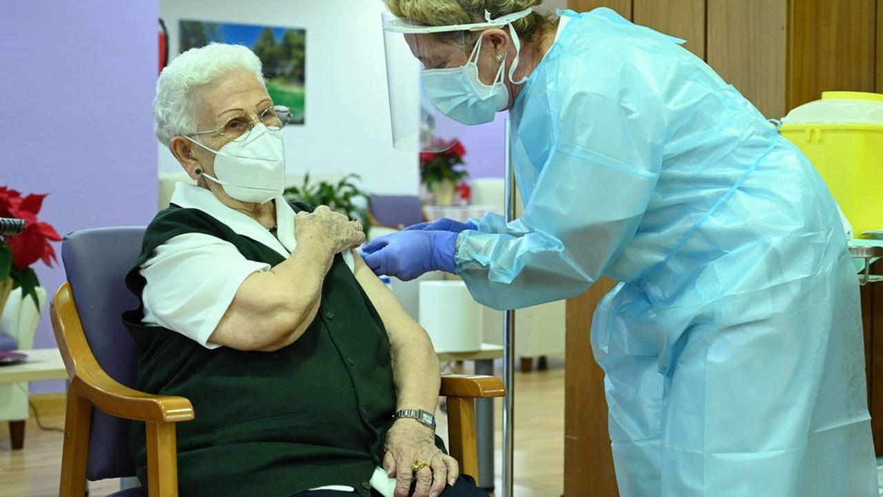 Spain to keep register of everyone who refuses to take the coronavirus vaccine