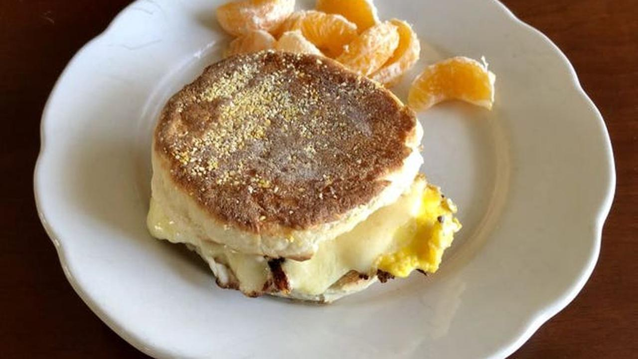 Simply Delicious: Homemade English muffins