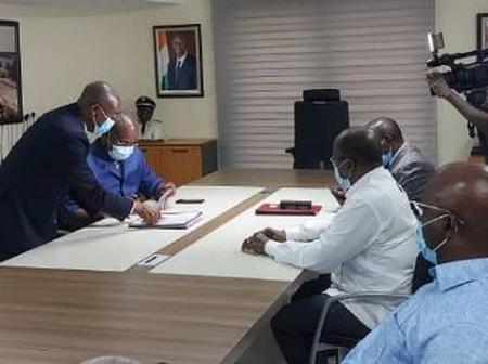Dialogue politique : l'opposition paraphe enfin le document final sanctionnant les discussions