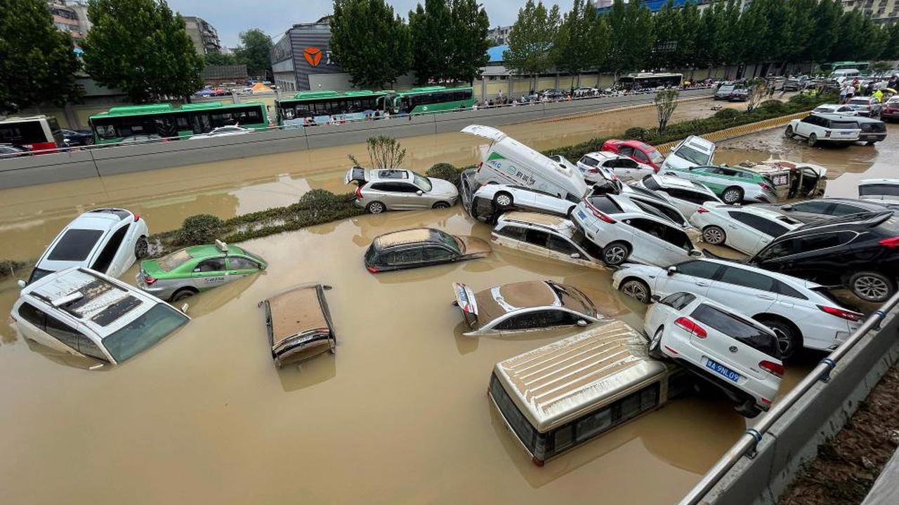 Inondations en Chine centrale: le bilan triple à plus de 300 morts