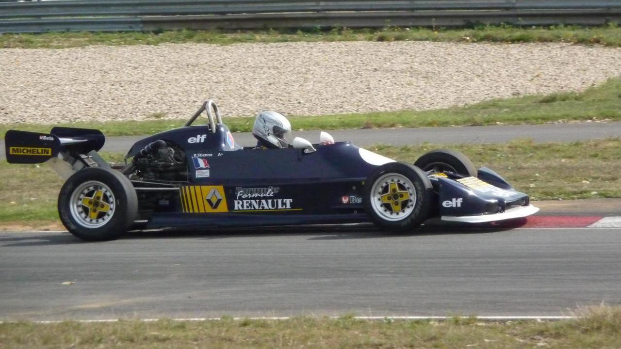 Deûlémont: à 81 ans, René lâche le volant de sa formule Renault mais jette un œil dans le rétro