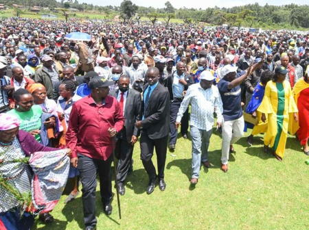 Dr William Ruto Gets a Warm Welcome in Narok County