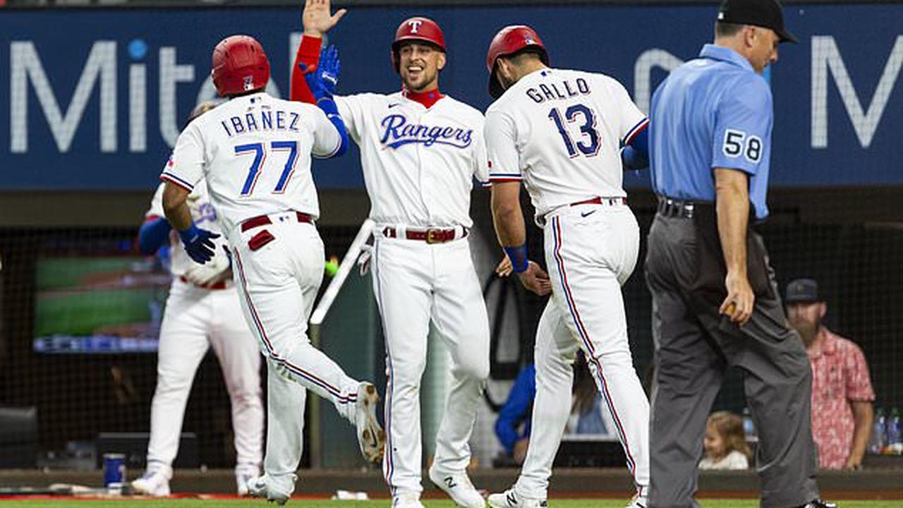 Rangers end 6-game skid with 8-3 win over Elvis and the A's