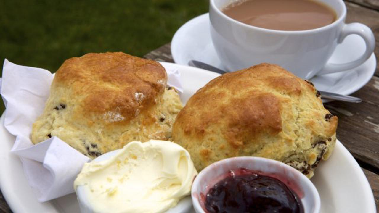 Sainsbury's removes cream tea advert after offending people of Cornwall