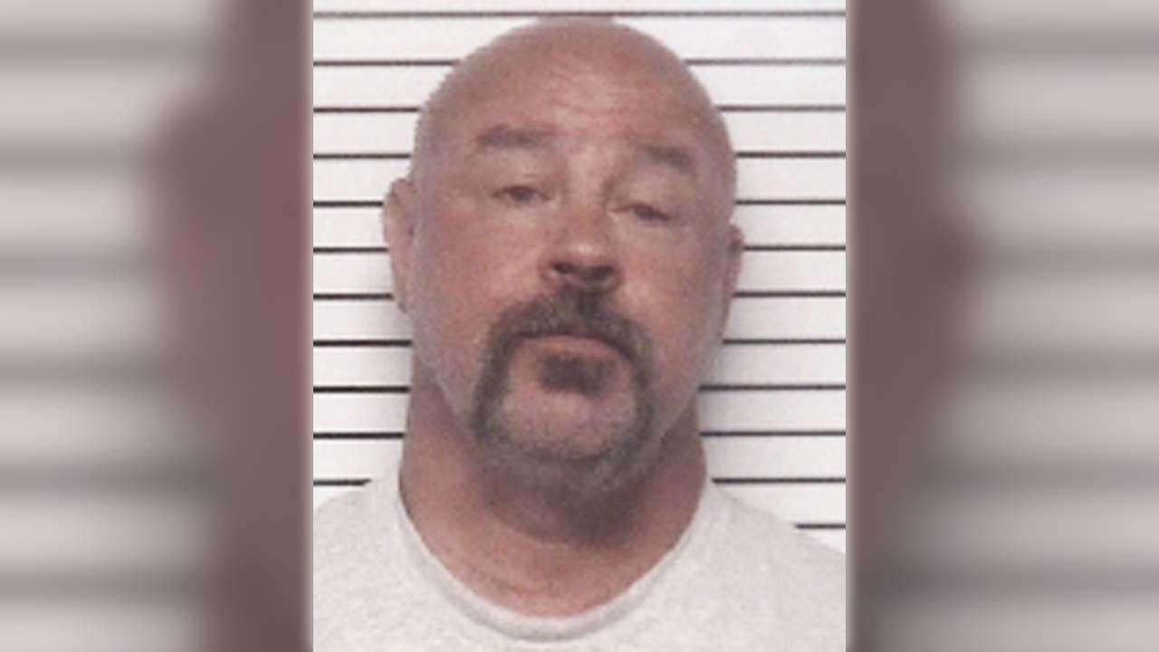 Sheriff: Man tried to swindle elderly neighbor out of money, home