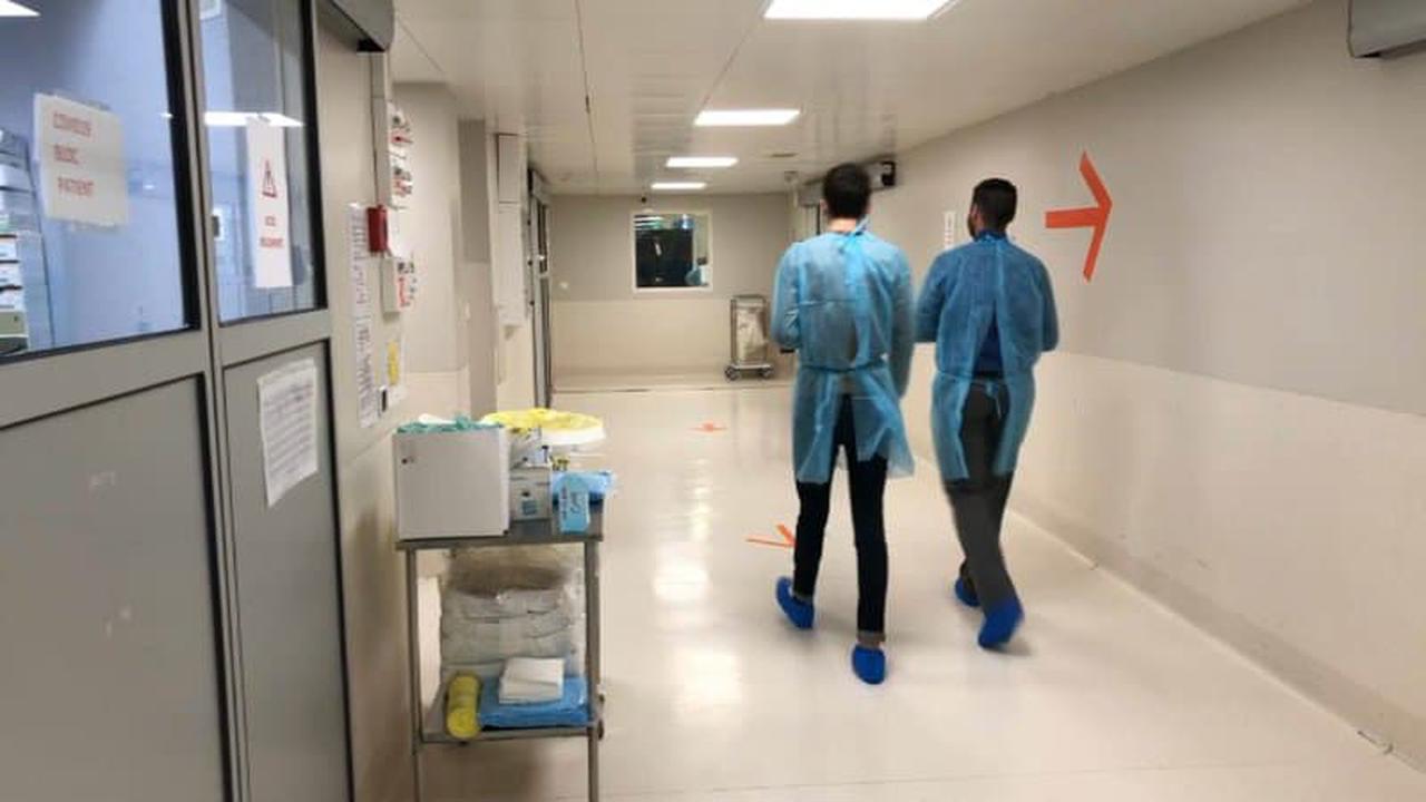 Covid-19 en France: le nombre de patients hospitalisés et admis en réanimation en légère hausse