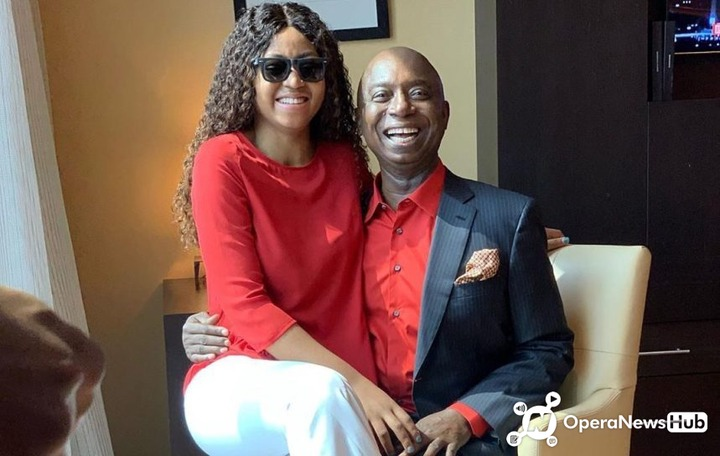Reginal Daniel VS Simi, who look better with the baby bump? Here are their pictures 1