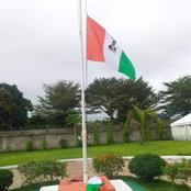 Le drapeau national avec la photo de ADO hissé au conseil régional du cavally